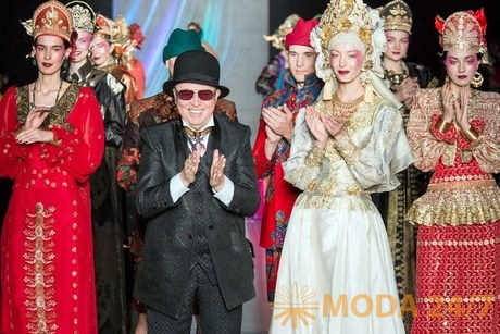 Новогодний показ в Доме моды Вячеслава Зайцева