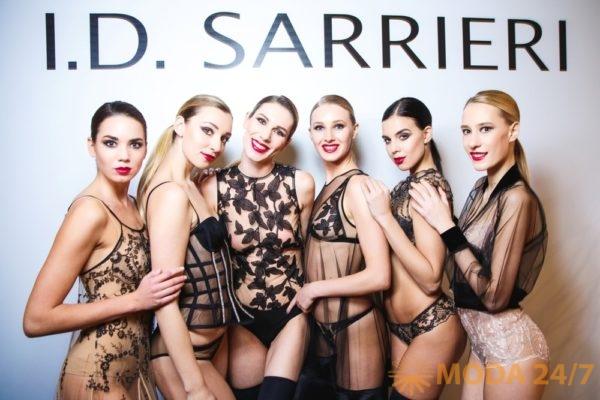 Модели I.D. Sarrieri. Юлия Добрин I.D. Sarrieri в Москве представила коллекцию весна-лето 2018