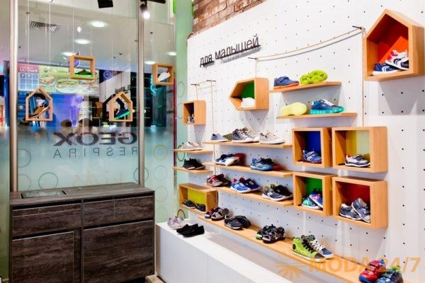 В новом магазине представлены три линейки GEOX Kids: Junior – для мальчиков, Junior Girl – для девочек и обувь для малышей. Первый в мире магазин GEOX Kids в «Европейском».