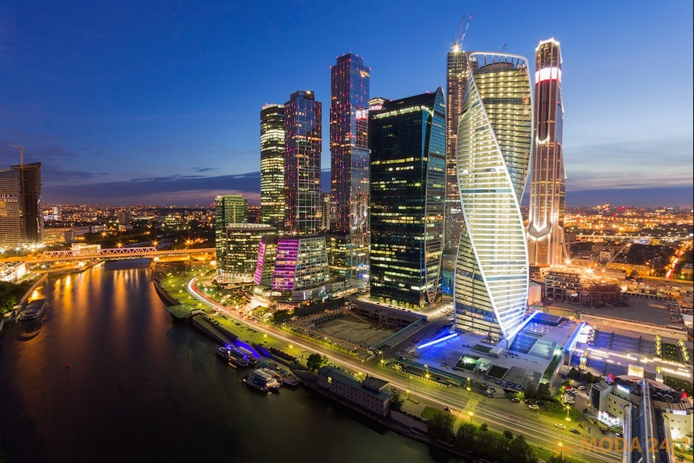 Московский международный деловой центр «Москва-Сити». PNR360 приглашает на салют ПОБЕДЫ