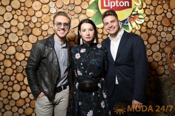 Александр Хоменко, Ида Галич и Артем Хохоликов. #ТУСИНАРУСИ запускает лето!