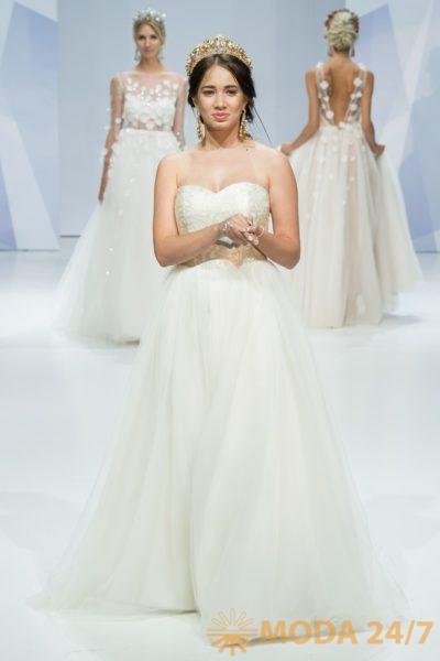 Показ свадебной моды. Выставки «Шапо» и «МосФур» в Москве