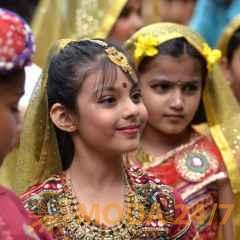 Шоу-показ национальной индийской одежды. Праздник посвященный Дню независимости Индии пройдет в московских Сокольниках