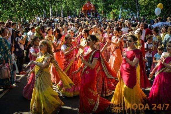 Индийские невесты. Праздник посвященный Дню независимости Индии пройдет в московских Сокольниках