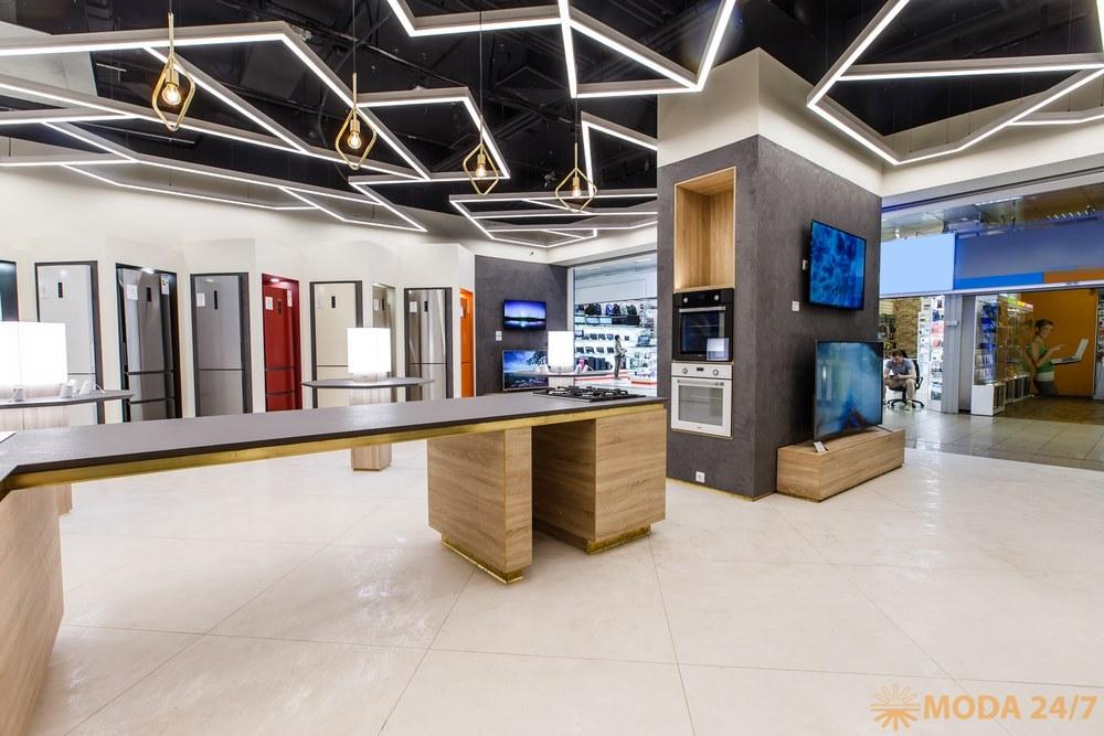 Холодильники. Первый магазин Haier в России