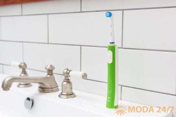 Электрическая зубная щетка для школьников Oral-B Junior. Oral-B Junior: здоровые зубы прежде всего