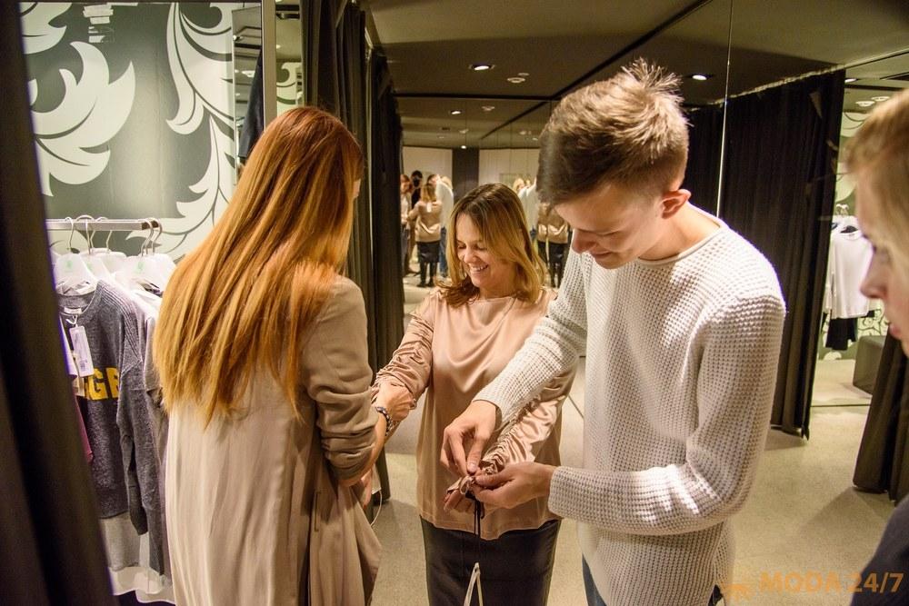 Стилисты-имидж-консультанты подбирают на шопинг-сессии покупателям индивидуальные решения для гардероба с учетом их личных предпочтений, стиля и образа жизни. Осенние тренды ХЦ
