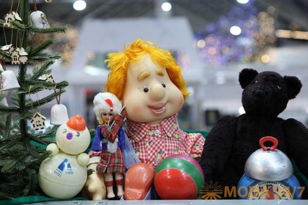 Антикварные игрушки. Декабрьский «Блошиный рынок» на Тишинке