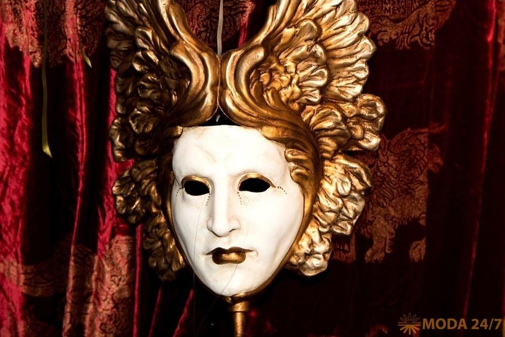 Венецианская маска. Московская международная выставка «Здравствуй, Италия»