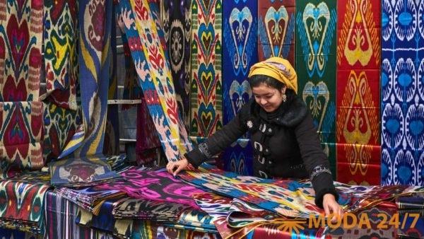 Икаты – ткани изготовленные древнейшими методами ручного ткачества. Антикварная ярмарка и форум «Коллекции России» в ЦДХ