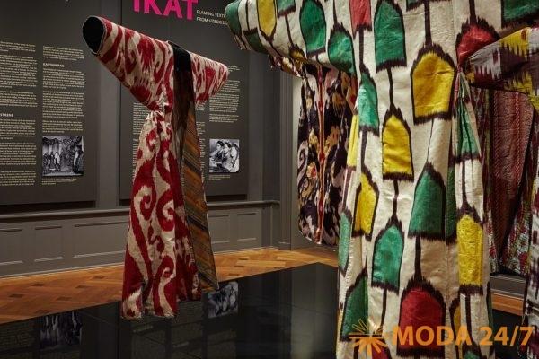 Выставка икатов. Антикварная ярмарка и форум «Коллекции России» в ЦДХ
