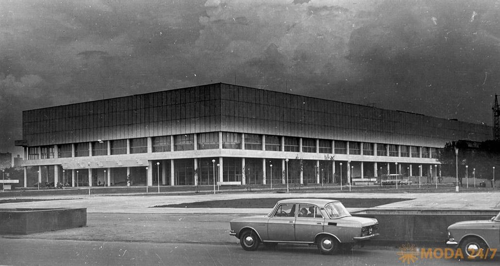 Общий вид здания Центрального Дома художника 1979. Антикварная ярмарка и форум «Коллекции России» в ЦДХ