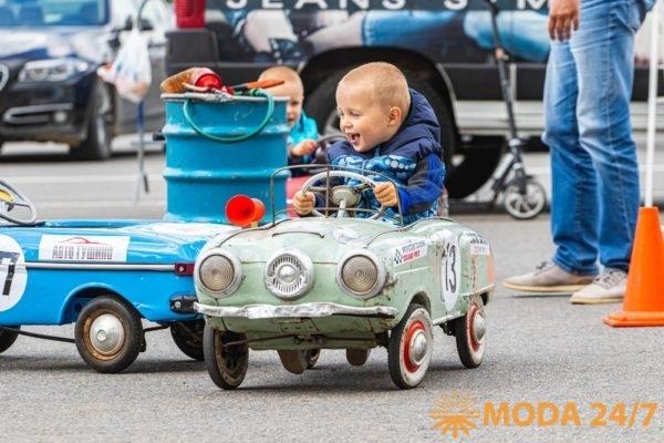 Маленькие ценители автоспорта были в восторге