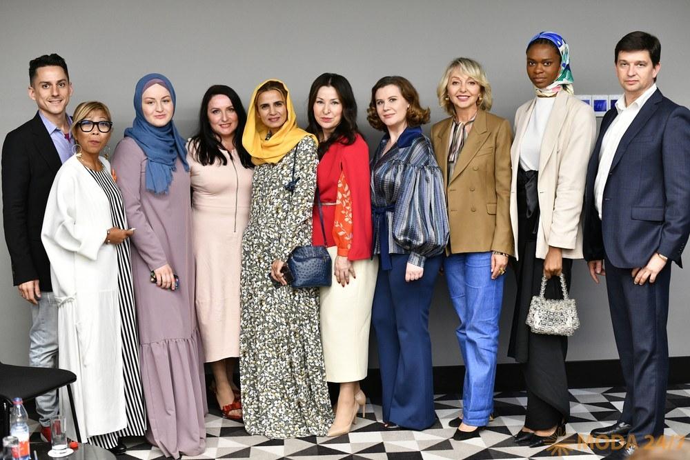 Участники второй сессии Russia. Modest Fashion Week 2019 в Москве