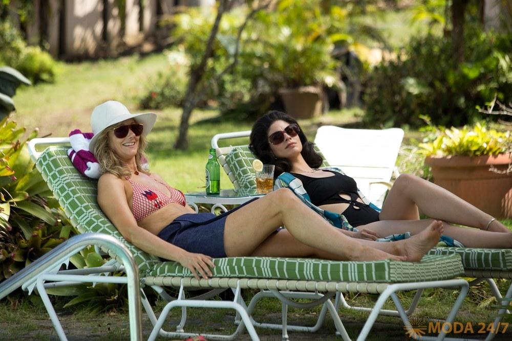 Джуди Грир (Judy Greer) и Изабель Арраиса (Isabel Arraiza)