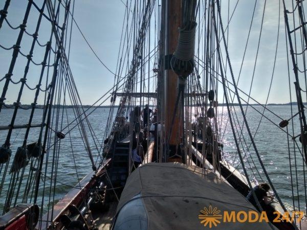 Фрегат регулярно ходит в акваториях Балтийского, Средиземного, Северного, Норвежского и Баренцева морей, водах Бискайского залива