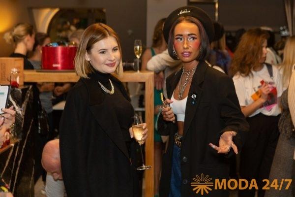 Ах Астахова и Таша Алакоз Модный фитнес в центре Москвы