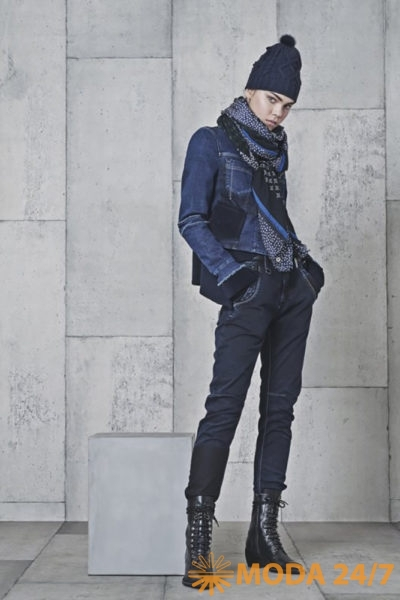 Жакет и джинсы BLUE