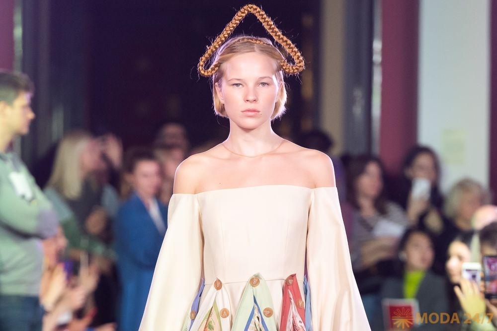 Алена Ахмадуллина весна-лето 2020