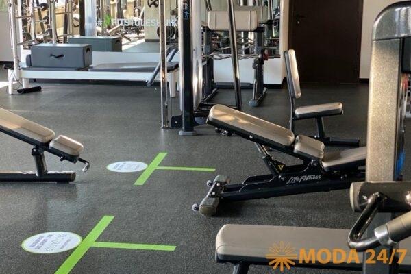 Восстановить режим тренировок. на первое время стоит снизить рабочие веса и тренировочный объем минимум на 30-40% от некогда привычного
