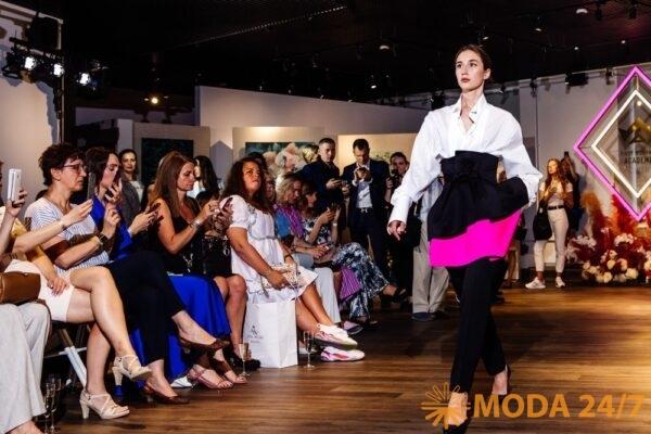 Модный показ Первой Женской Академии