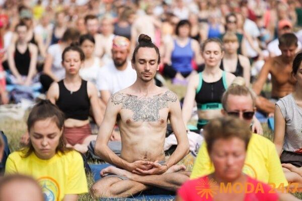 День йоги 2020