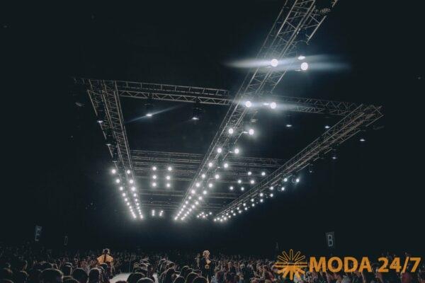 Трансляция MBFW Russia Мода 24/7. Дефиле в Манеже