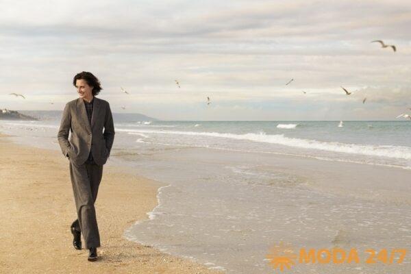 Инес де ля Фрессанж во французском Довиле. Инес на пляже Довиля
