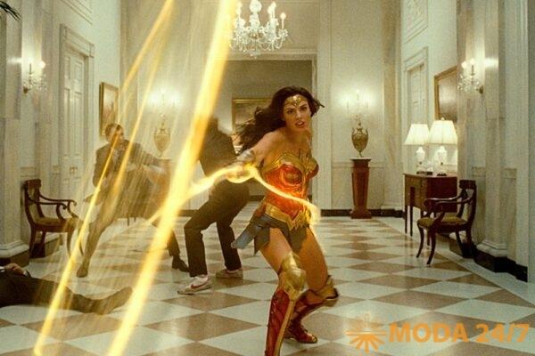 Кадр из фильма «Чудо-женщина 1984» (Wonder Woman 1984)