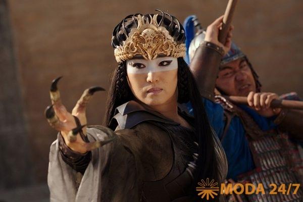 Гун Ли (Gong Li) в фильме «Мулан». Лучший дизайн костюмов Oscar-2021