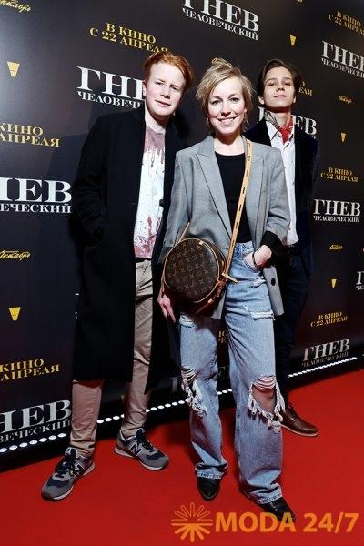 Мария Шалаева с сыновьями