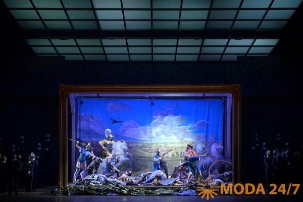 Сцена из постановки «Аиды» Лотте де Бер