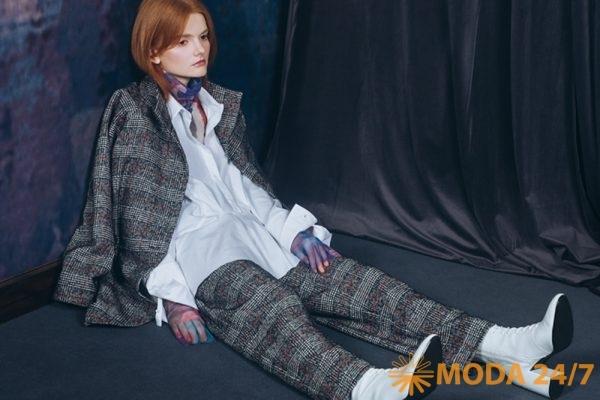 Жакет, брюки, рубашка и водолазка