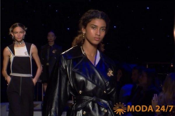 Дефиле на модном показе, кадр из фильма